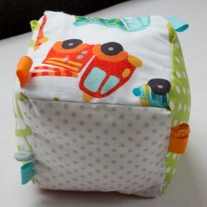 Coussin cube voiture 2