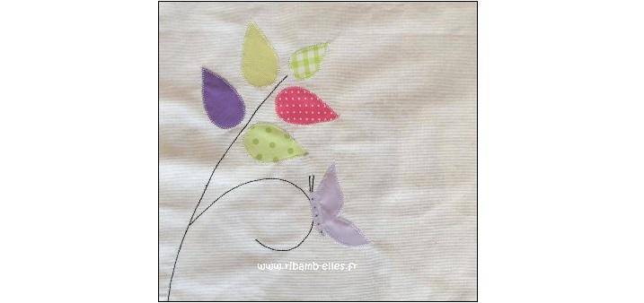 Tissus tour de lit papillons gris pâle et blanc 12