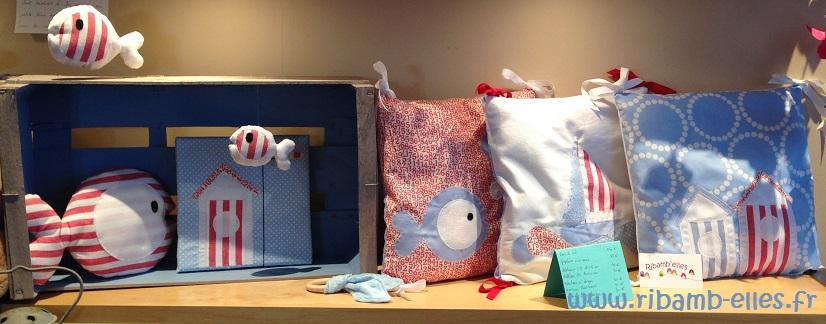 Tour de lit coussins cadre doudou thème mer bleu rouge