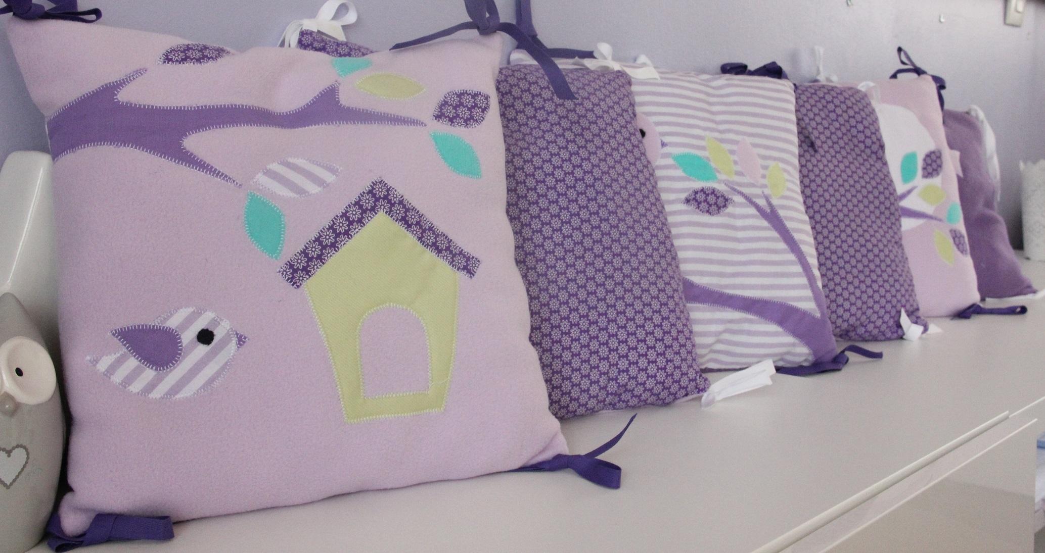 tour de lit hibou violet parme ribamb 39 elles. Black Bedroom Furniture Sets. Home Design Ideas