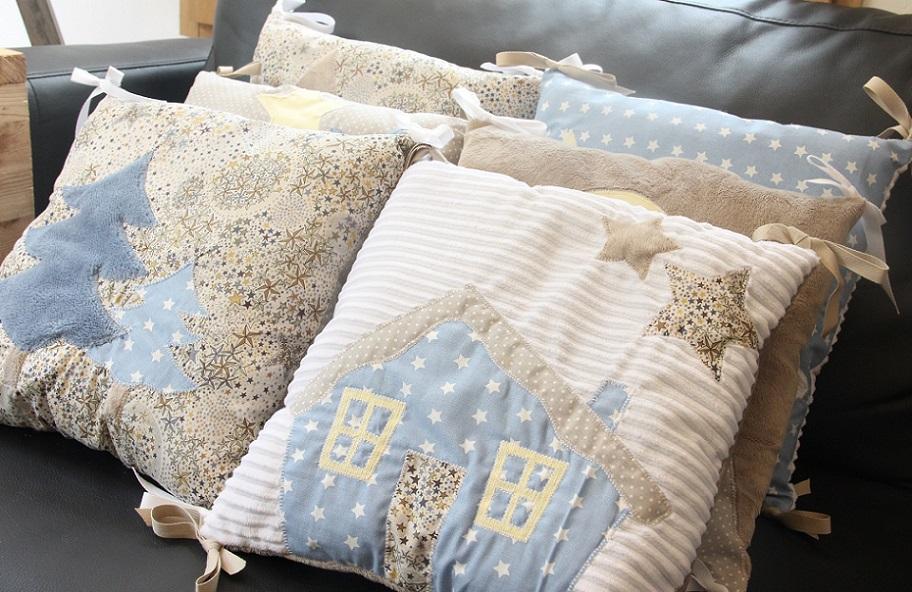 tour de lit montagne taupe bleu jaune ribamb 39 elles. Black Bedroom Furniture Sets. Home Design Ideas